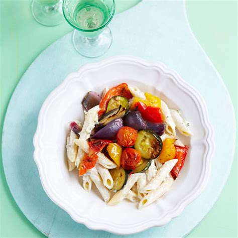 Paket Veggie Noodle 5 Pcs mediterranean roasted vegetable and tzatziki pasta and home