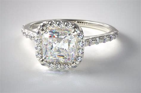 ultimate guide to buying a 2 carat cushion cut ring