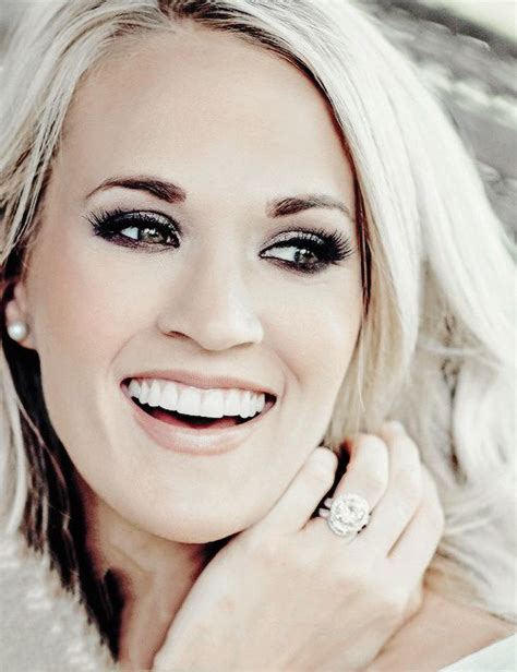 carrie underwood eye color 25 best ideas about carrie underwood on