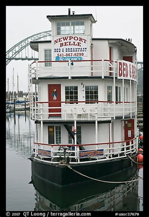 bed and breakfast newport oregon picture photo newport belle floating bed and breakfast newport oregon usa
