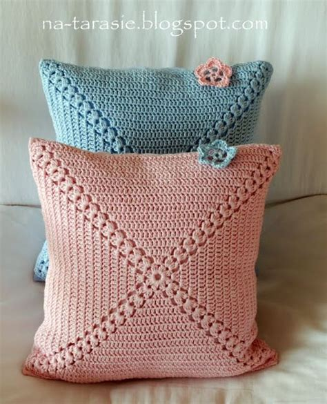 Pillow Pattern Ideas by 25 Best Ideas About Crochet Cushions On