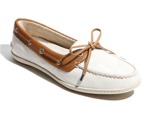 boat shoes kate middleton nautical coloured outfits for kate visiting prince edward