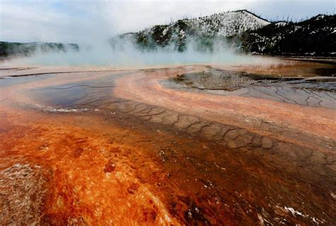 earthquake yellowstone scientists confirm yellowstone supervolcano was hit by 450