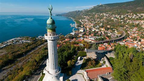 La Di Trieste by Trieste