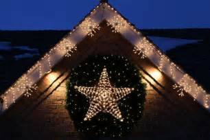 Stars Decorations For Home by How To Hang Outdoor Christmas Lights Outdoortheme Com