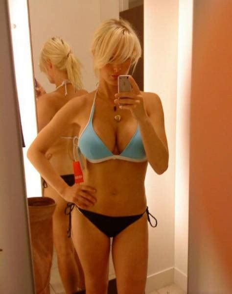 changing room selfie something about changing rooms makes want to selfie 48 pics 1 gif picture 38
