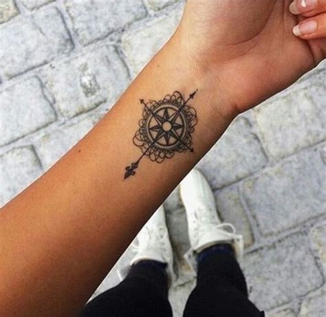kompass kreuz tattoo kompass mandala kreuz one day pinterest