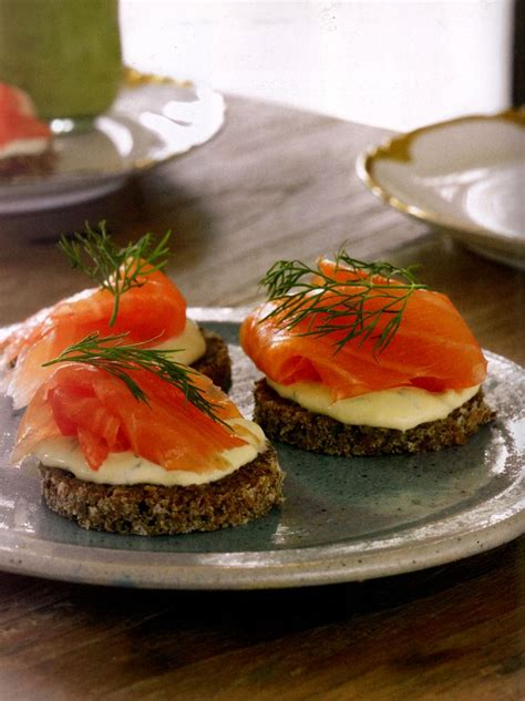 easy smoked salmon canapes smoked salmon canap 233 s with dijon cr 232 me fraiche recipe
