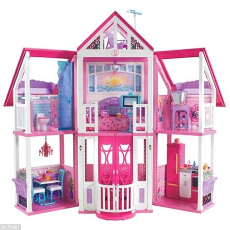 barbie dolls dream house barbie s first ever dreamhouse from 1962 revealed to be a tiny studio daily mail online