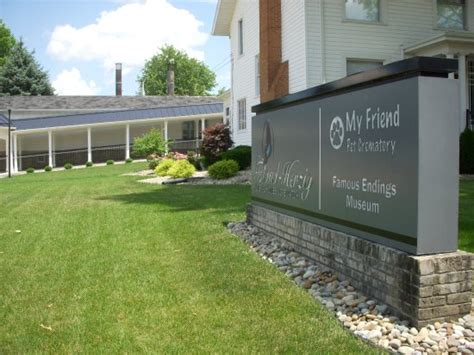 Toland Herzig Funeral Home by Toland Herzig Funeral Home Endings Museum Foto