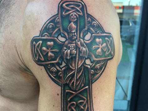 welsh celtic cross tattoo designs 25 celtic cross ideas tattoozza