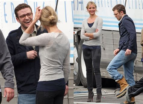Cameron Diaz Gives Drew Barrymore Justin Timberlakes by Photos Of Justin Timberlake And Cameron Diaz Laughing