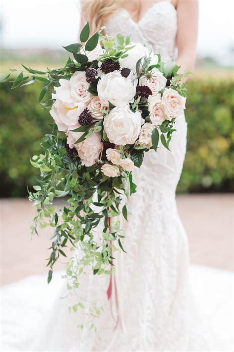 Popular Wedding Bouquet Types & Styles   Inside Weddings