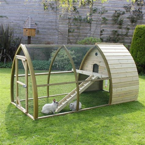 Rabbit Houses by 25 Best Ideas About Guinea Pig Run On Guinea