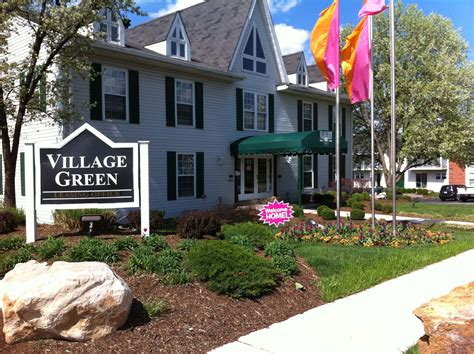 village green appartments village green apartments in the chesterfield mo mills