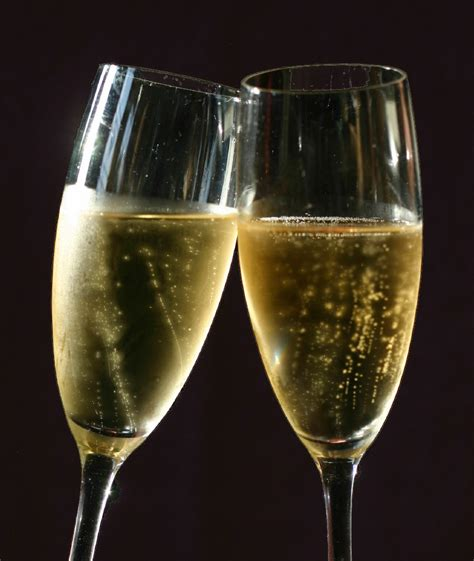 bicchieri prosecco why prosecco is on everyone s and in everyone s glass