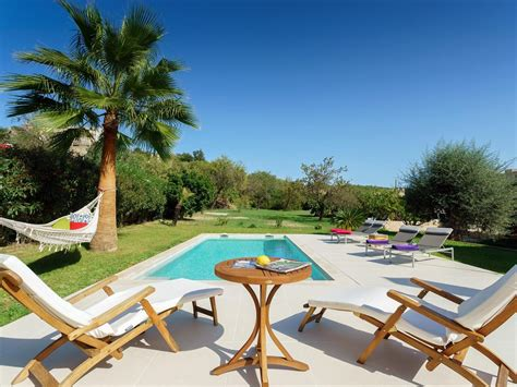 great townhouse in pollensa with garden homeaway