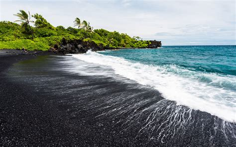 black sand beaches hawaii 10 most beautiful beaches in hawaii quiet corner