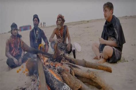 Film Dokumenter Kanibal | syuting ritual kanibal india penyiar tv ini makan otak