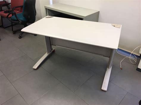mesas de oficina de segunda mano compra venta de mobiliario de ocasi 243 n para su oficina