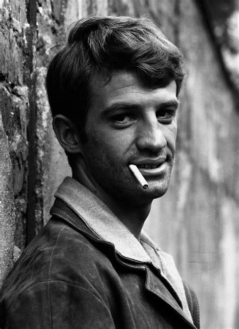 Raymond Cauchetier, Jean-Paul Belmondo on the set of A