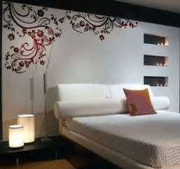 bedroom wall decor ideas patterned