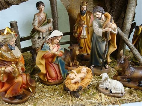 christmas crib 8 inch nativity figures with stable