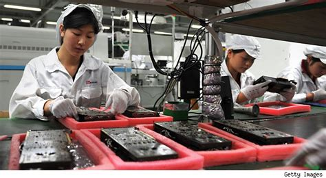 apple zhengzhou apple manufacturer foxconn is under fire again aol finance