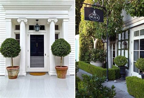 Front Door Topiary by Potted Topiaries Outside The Front Door E T Phone Home