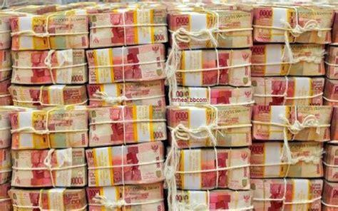 siapa wni pemilik uang  ribu triliun rupiah  singapura