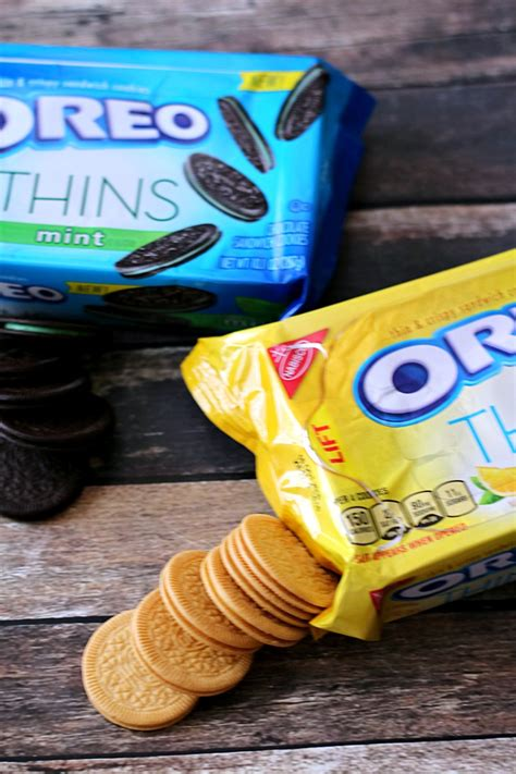 Oreo Thins Thin Crispy Cookies 95gram Lemon relaxing time with oreo thins with the crust cut