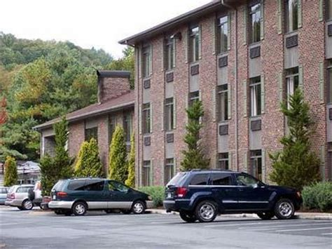 comfort inn and suites boone nc comfort suites boone boone deals see hotel photos