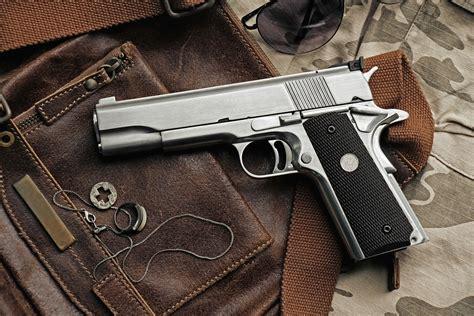 Seling Pistol Gantungan Pistol buy and sell firearms sumner guns pistols shotguns sumner