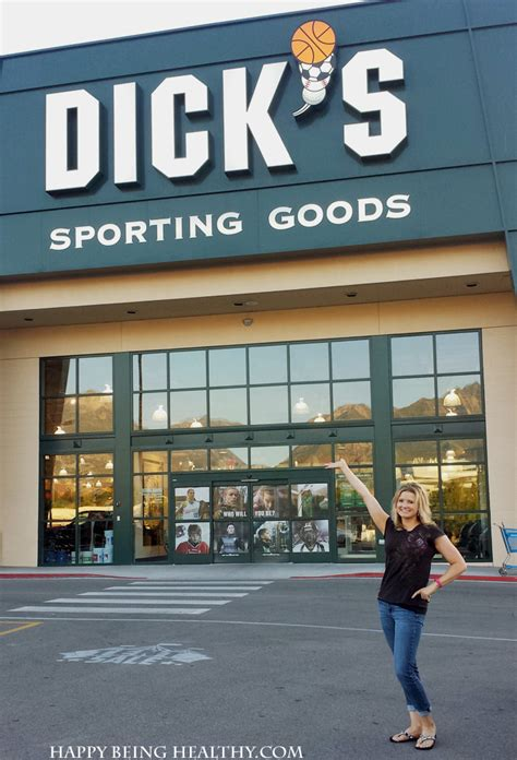 Dick S Sporting Goods Gift Card - new workout gear from dick s sporting goods a 25 gift card giveaway happy being