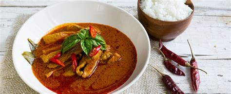 cucina thailandese ricetta curry rosso con maiale cucina thai agrodolce