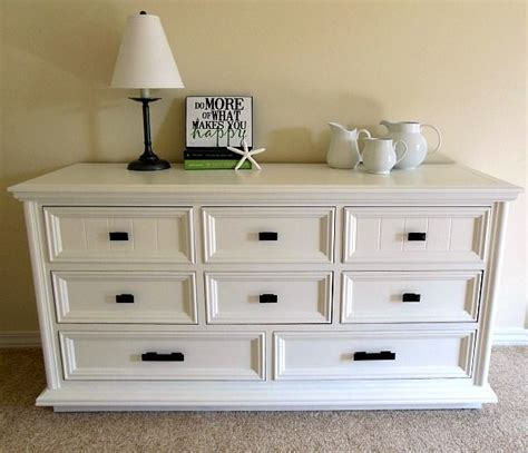 How To Paint A Dresser White by 25 Best Ideas About Paint A Dresser On