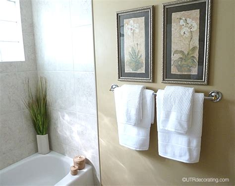where to hang towels in a small bathroom pictures bathroom