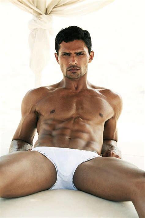 Hot Body Shirtless Indian Bollywood Model Actor Aaran Chaudhary