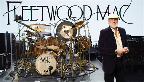 a rocking design for fleetwood mac page