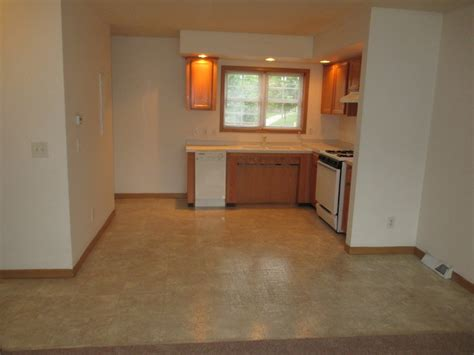 One Bedroom Apartments In Lansing Mi by Edgewood Villas Lansing Mi Apartment Finder