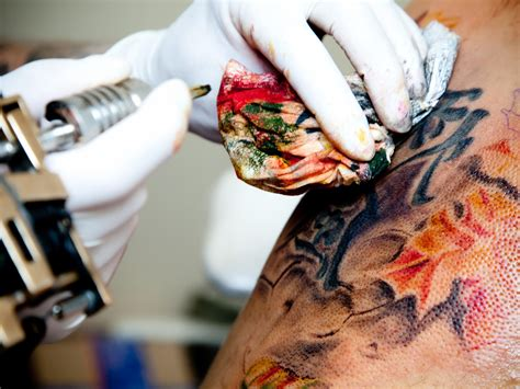 tattoo ink immune system tattoo you immune system cells help keep ink in its place