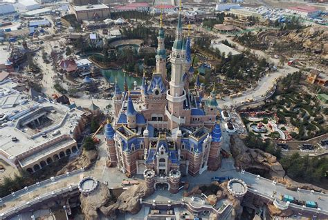 disney shanghai how disney s dis shanghai resort fits into the executive