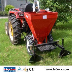 One Row Potato Planter by China 2015 Sell Tractor 3 Point Linkage Potato Planter China Potato Planting Machine
