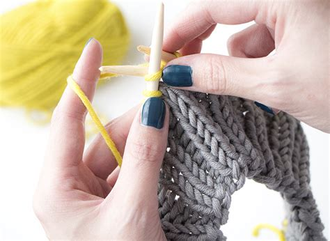 how to knit a hat for beginners free hat knitting patterns handylittleme