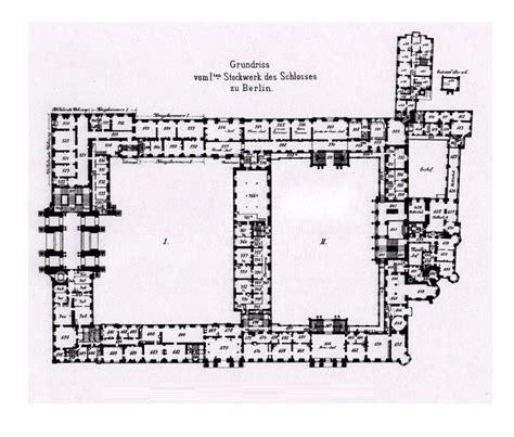 royal palace floor plans oltre 1000 immagini su floor plans castles palaces su