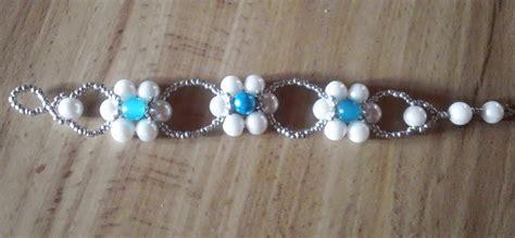como hacer pulseras con perlas pulsera de flores de bisuter 237 a youtube