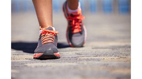 Sepatu Lari Untuk Wanita 10 sepatu lari terbaik untuk wanita pada 2015