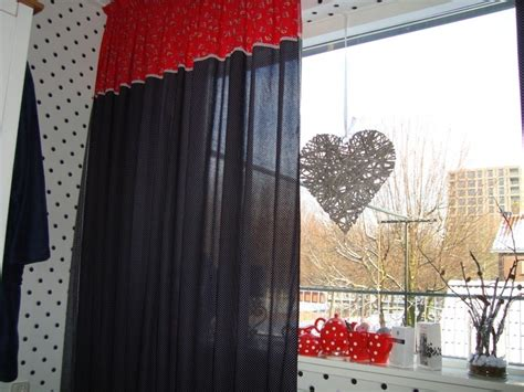 rood zwarte gordijnen gordijnen zwart wit rood stipje en bloemetje in opdracht
