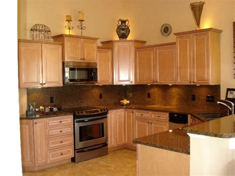 staggered kitchen cabinets staggered kitchen cabinets staggered cabinets end cabinet