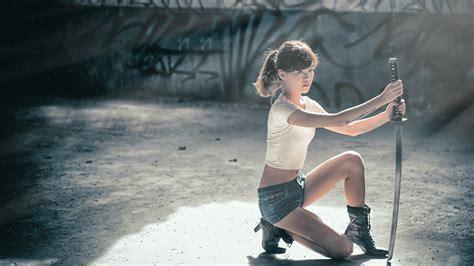 who is the asian girl in the mobile strike commercial asian girl pose samurai sword wallpaper girls